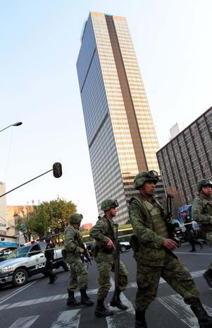 TERROR EN LA TORRE DE PEMEX Pemex_ejercito
